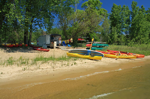 macatawa boat house standup paddleboard rentals and kayaks at holland state park
